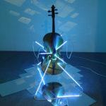 Filippo Centenari, San-Sebastiano-2008-Violoncello-neon-plexi-specchiante-e-trasformatore-dimensioni-ambientali