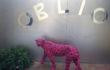 """Maria Rebecca Ballestra – """"OBLIO"""" – Ghepardo in resina viola e vernice e lettere in vetro specchio – cm. 86x120x30 – 2012"""